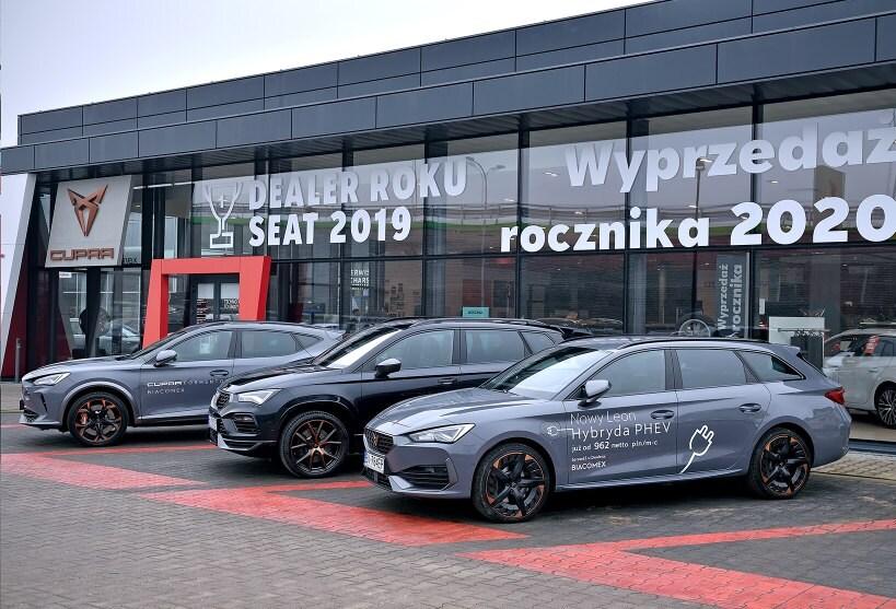 Salon CUPRA DYNAMICA Kraków wraz z najnowszymi modelami sportowych samochodów CUPRA Ateca oraz Leon